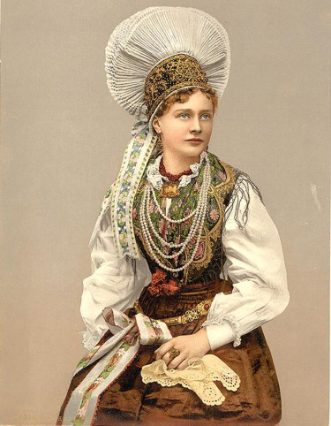 Slovenian female clothes