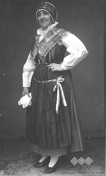 Slovenian female dress
