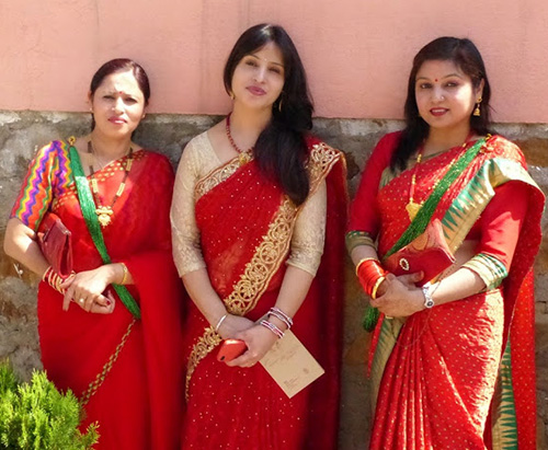 Hot Nepali aunties in saree