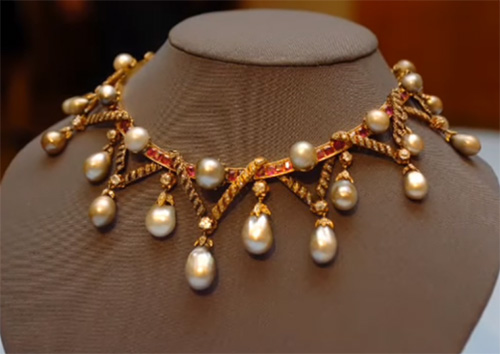 Jewelry Of Marie Antoinette What Is Left Of Her Large And