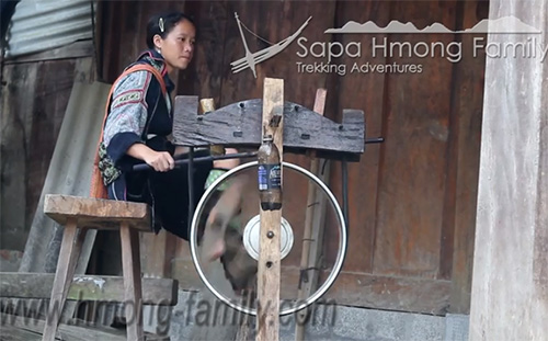 Hmong clothing2